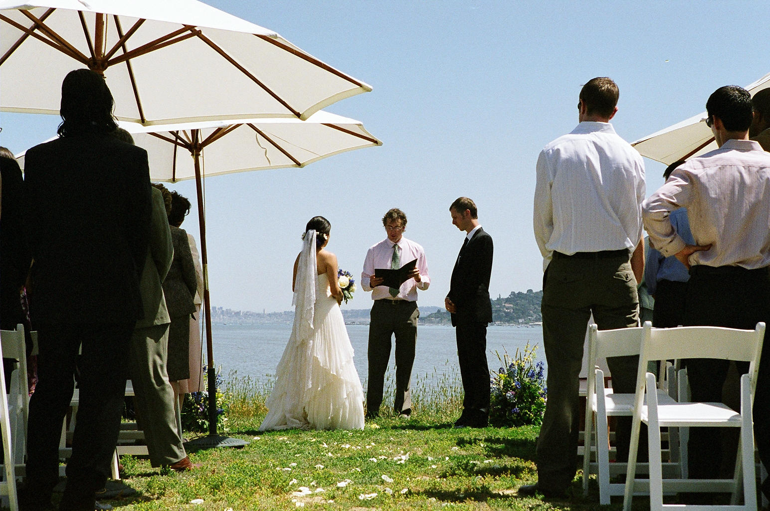 Vows with a view of the San Francisco skyline